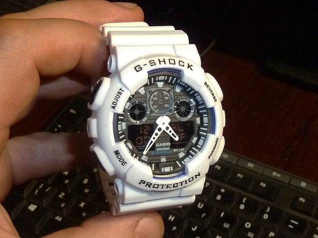 часы 100 белые с черным циферблатом - 1