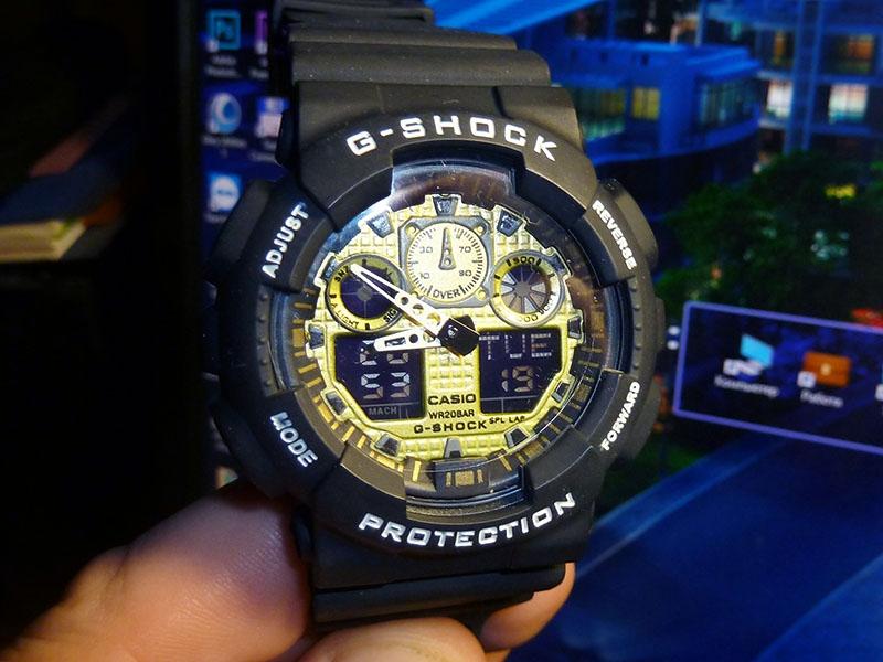 часы 100 чёрные с золотым циферблатом - 1